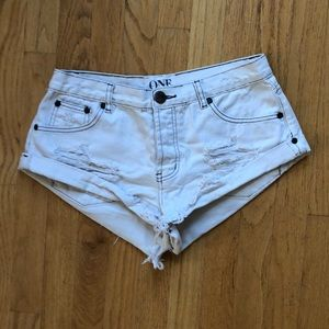 One Teaspoon White Destroyed Bandits Short